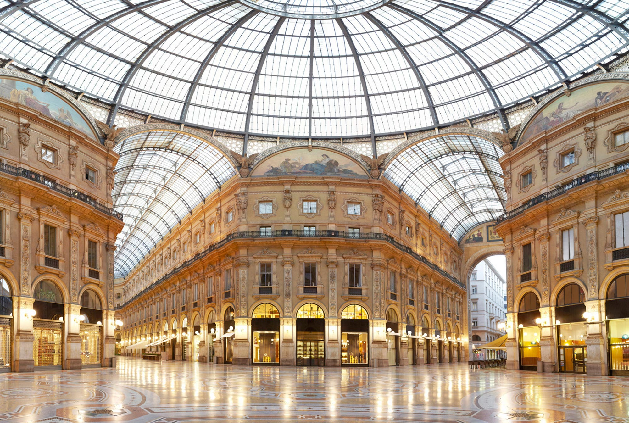 Explore-Italy-Attraction-Galleria-Vittorio Emanuele-in-Milan