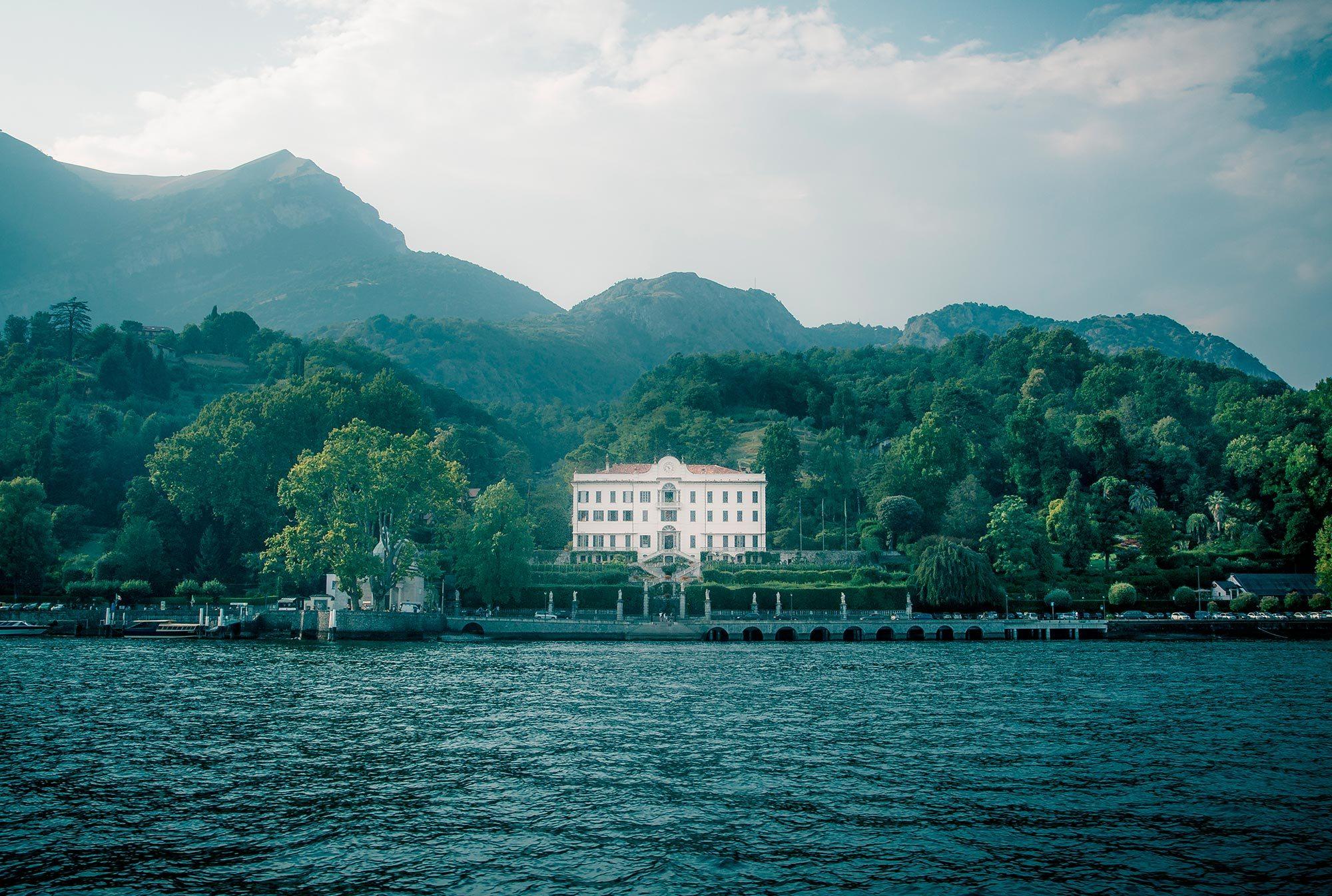 Explore-Italy-Attraction-Villa-Carlotta-in-Lake-Como