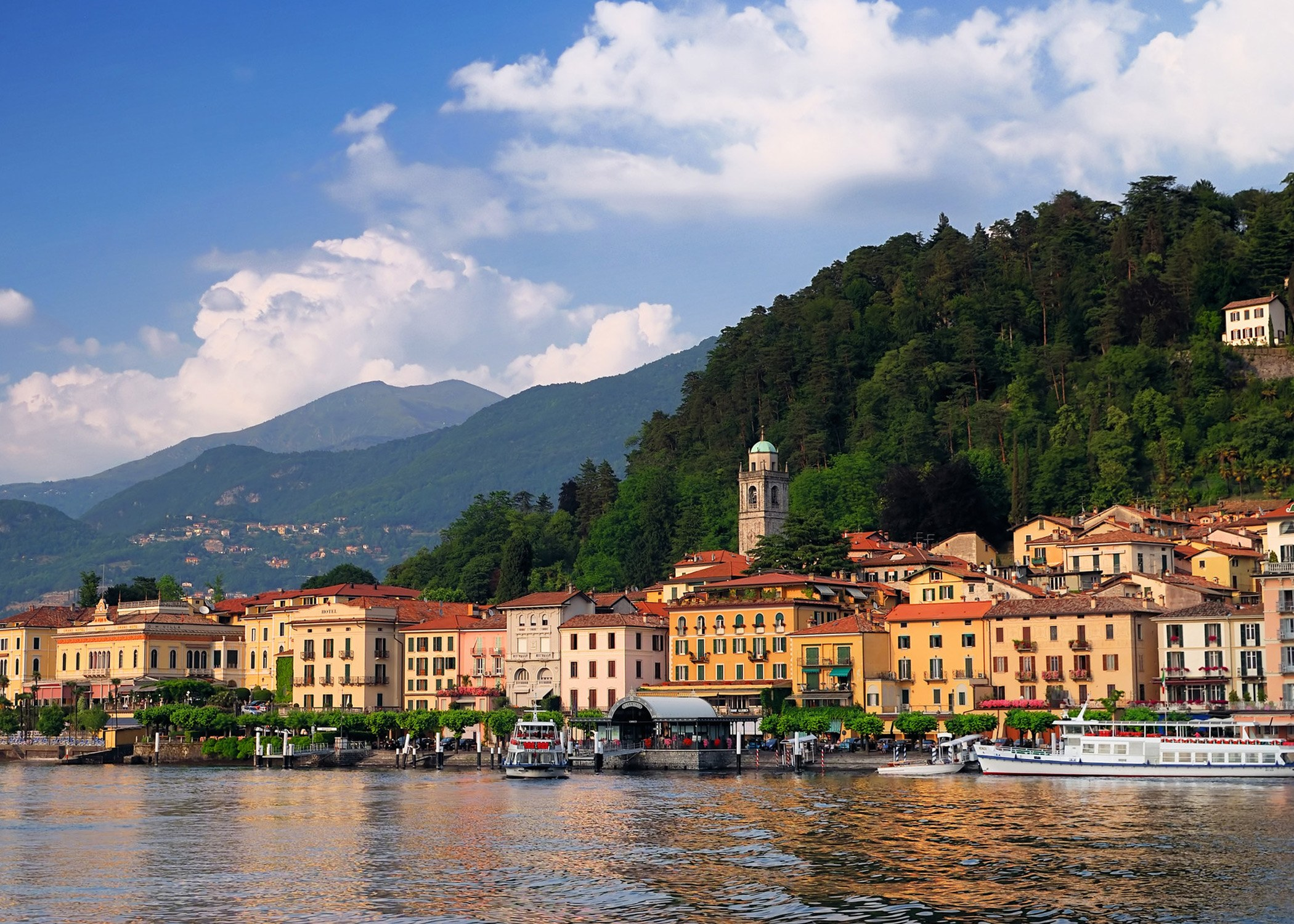 Explore-Italy-Destination-Lake-Como-View