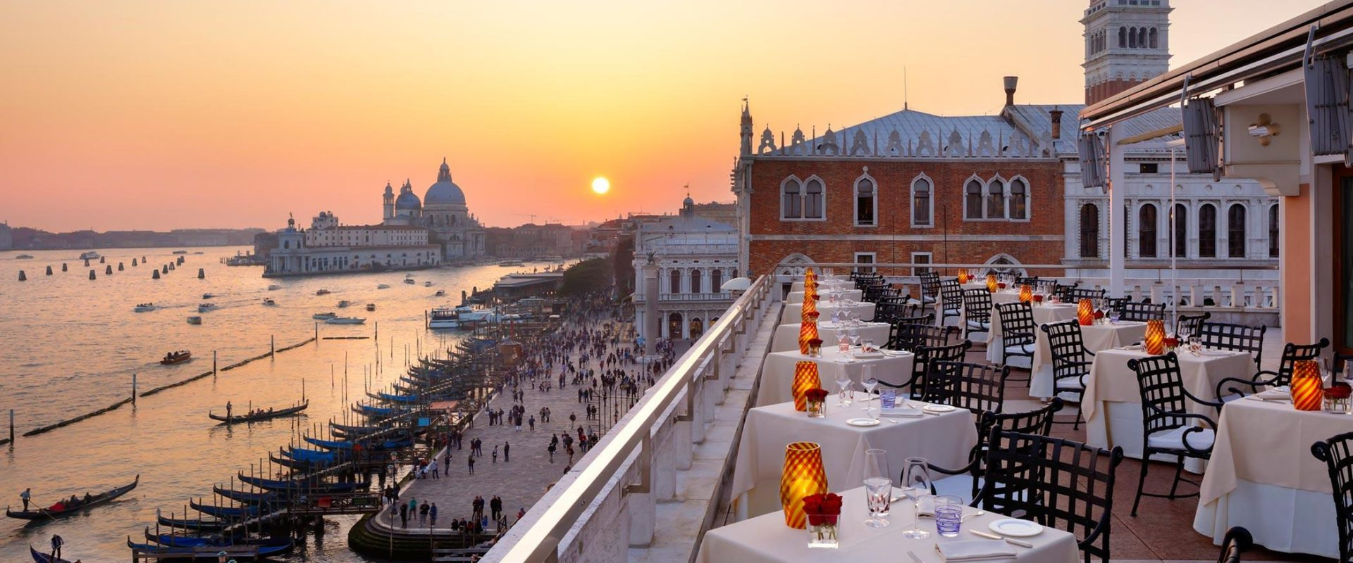 Explore-Italy-Hotel-Danieli-Luxury-Collection-Venice-Restaurant-Terrace-Sunset-View