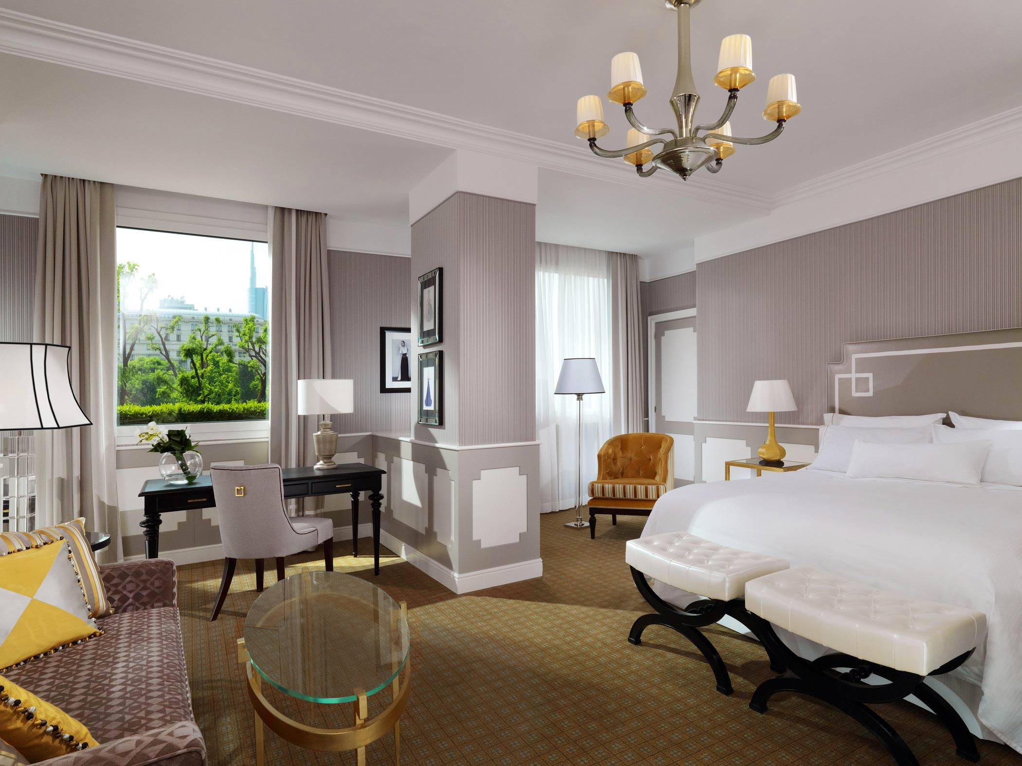 Explore-Italy-Hotel-The-Westin-Palace-Milan-Grand-Deluxe-Contemporary-Room