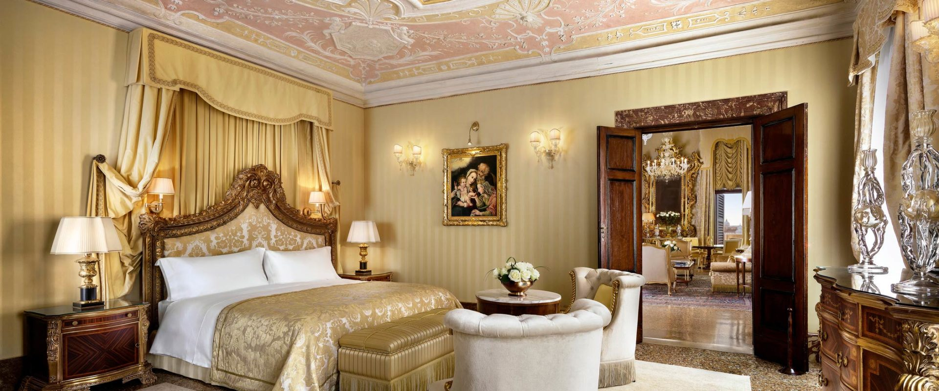 Hotel-Danieli-Venice-Doge-Dandolo-Royal-Suite-Bedroom