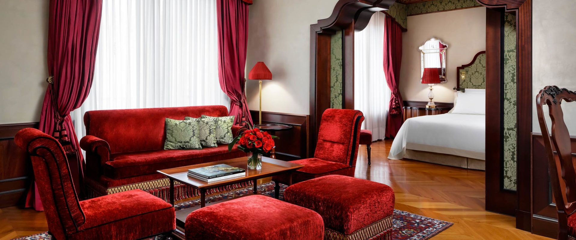 Hotel-Danieli-Venice-Executive-Suite-Salon