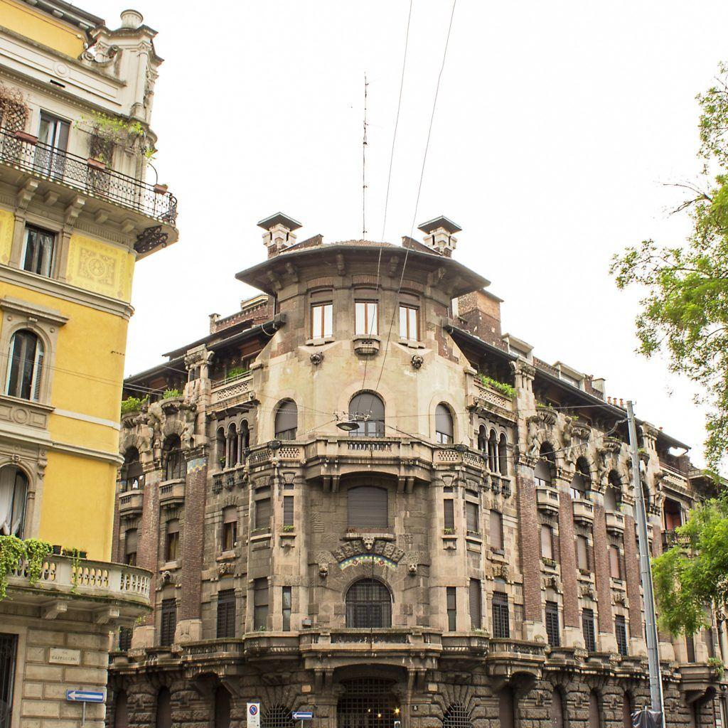 gray building landmark