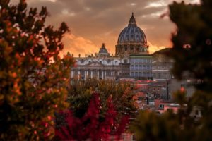 The view of the golden hour at San Pietro in Rome