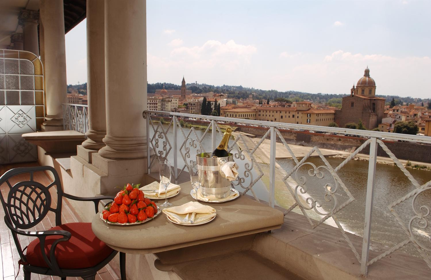 terrace-with-a-view-on-Florence